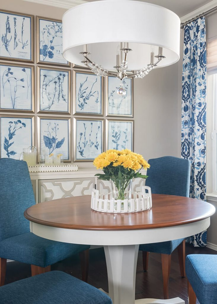 Del Webb communities texas Blue & White Dining Room Decorating Ideas with Dallas Interior Designer | Dallas Interior Decorator, Gallery Wall Tips and tricks, gallery wall ideas, gallery wall installation how to, how to install a gallery wall