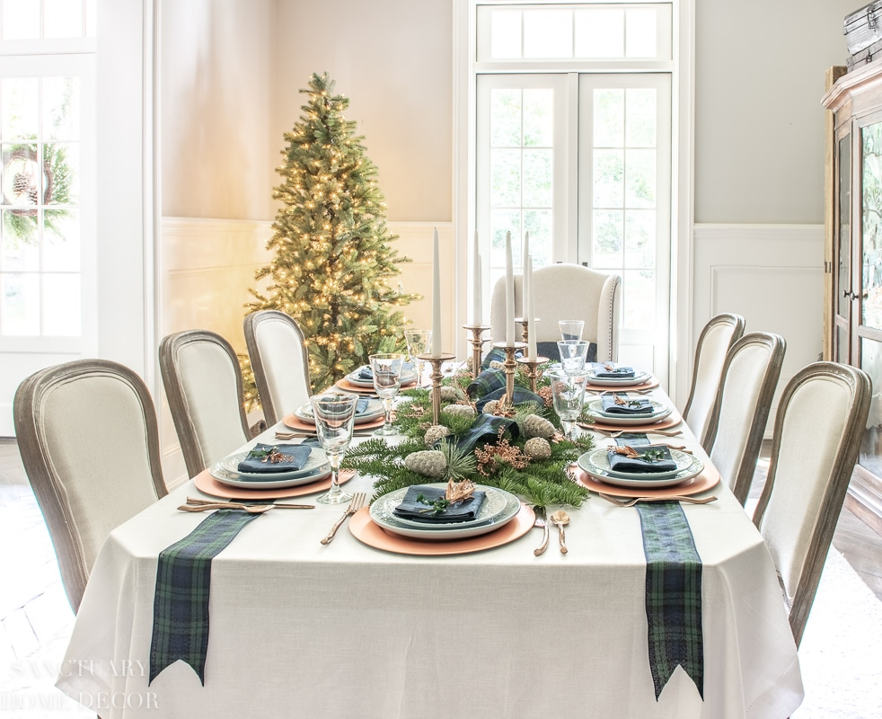christmas taper candle centerpiece ideas