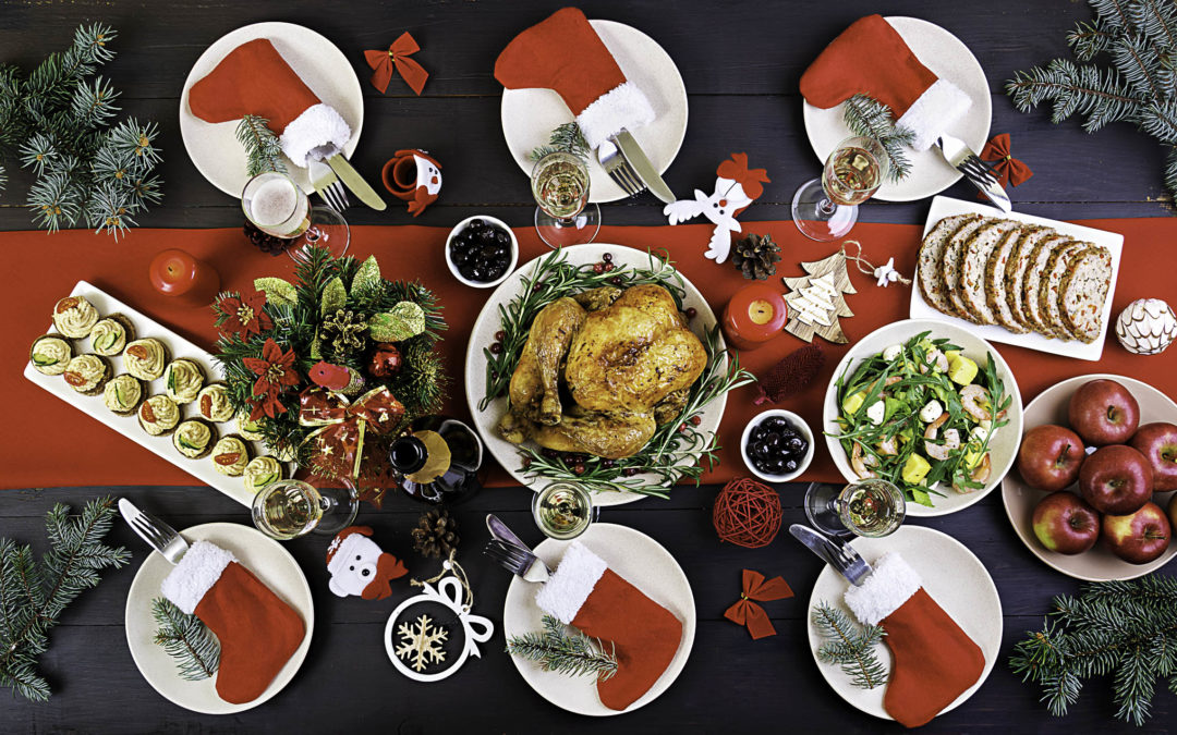 6 Fabulous DIY Christmas Centerpiece Ideas For Your Holiday Dining Table