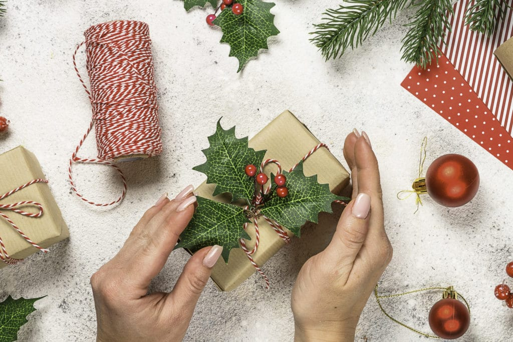 101 Holiday Gift Wrapping Ideas To Make Your Christmas Bright - A bunch of broccoli sitting next to a knife - Christmas ornament