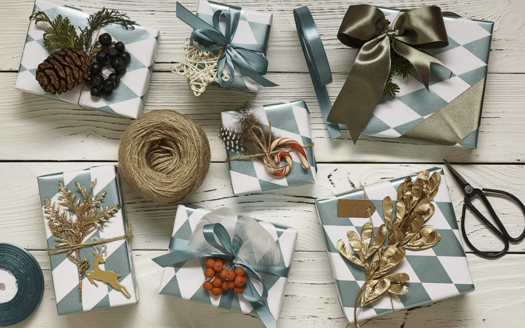 21 Easy DIY Christmas Gift Wrap Ideas To Make Your Holiday Bright