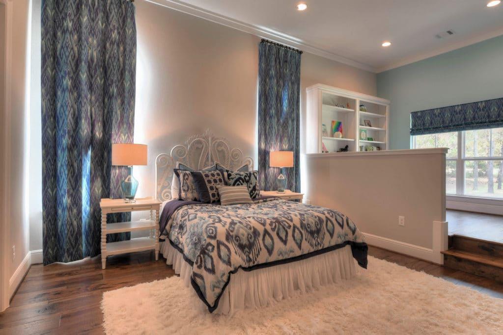 kids bedroom ideas, kids room decor ideas, girls room ideas, navy blue and white bedroom ideas