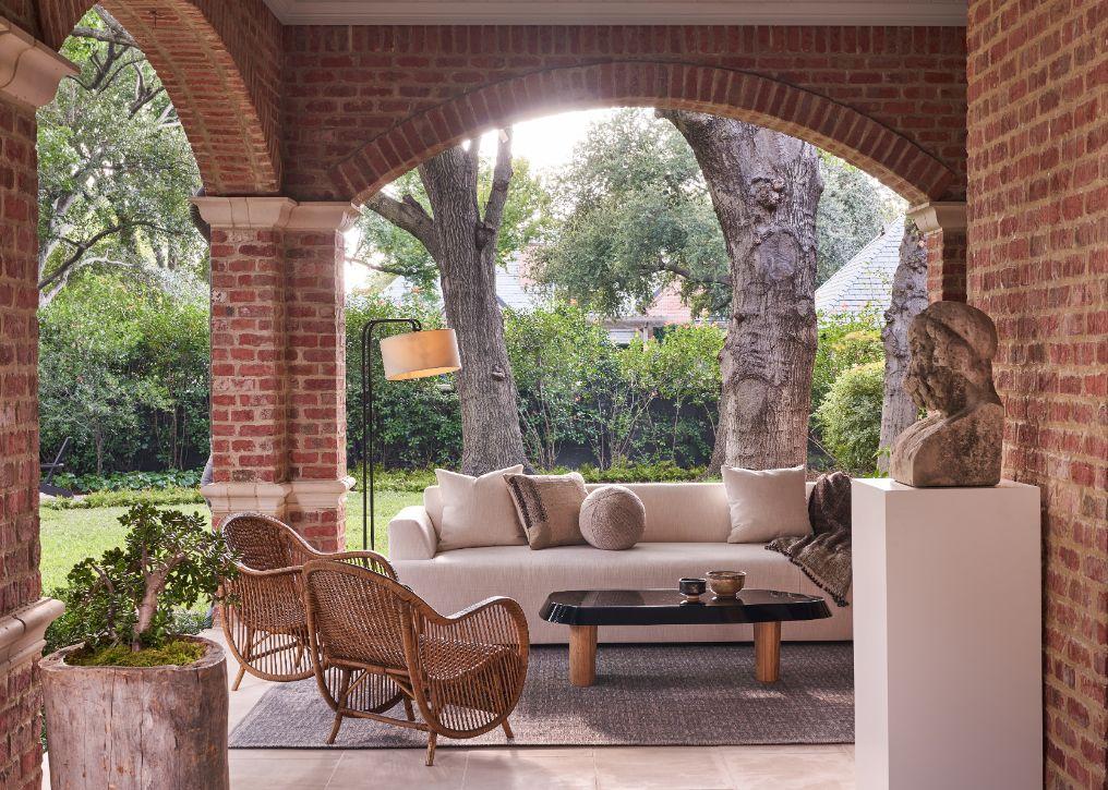 veranda ideas, kevin spearman, covered veranda, kips bay decorator showhouse, dallas designers, dallas designer, best designers in dallas tx,